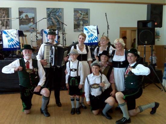 Dancers, Dunsmuir